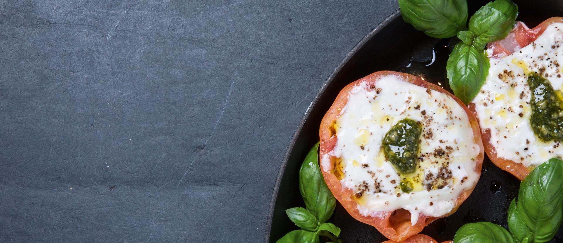 Gebackene Tomate mit Mozzarella