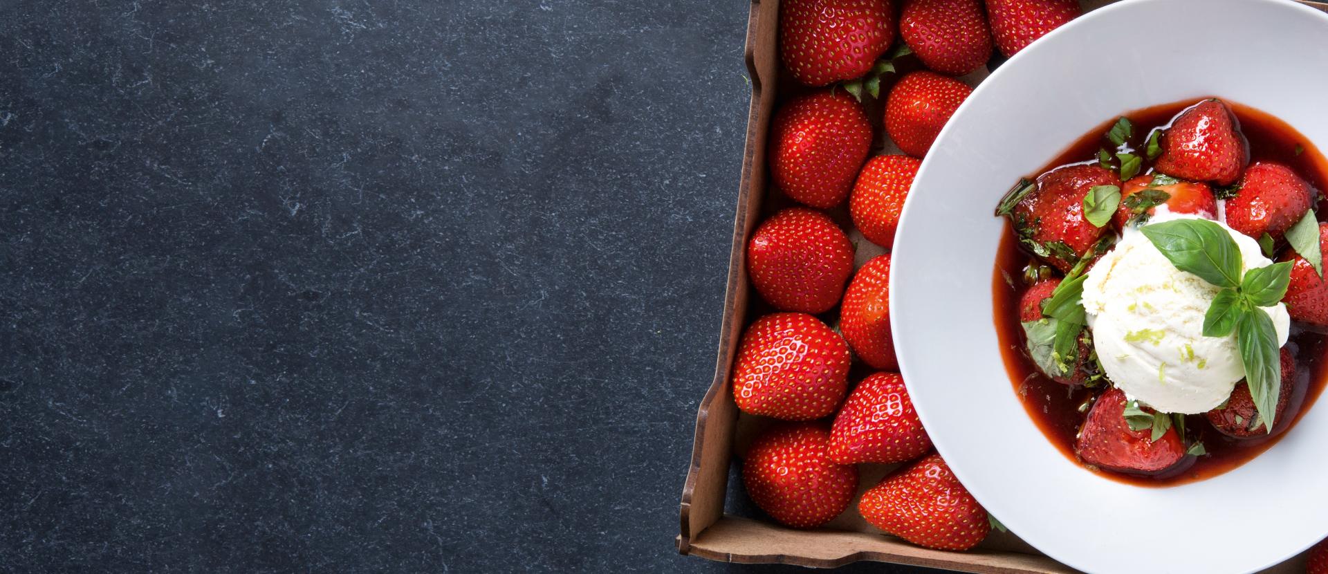 Erdbeeren mit Pedro-Ximénez, Basilikum und Pfeffer